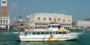 Nave che permette di fare il Mini crociera a Venezia