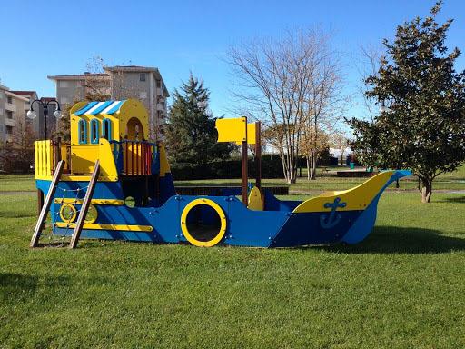 Parco Grifone con giochi per bambini